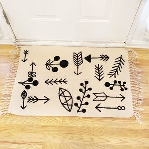 Other - Arrow Tassel Rug